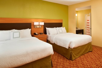 Hotel suites in Saginaw, MI