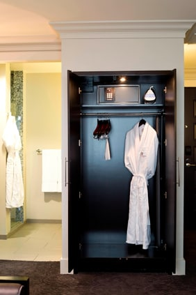 Guest Room Amenitiy Wardrobe Closet