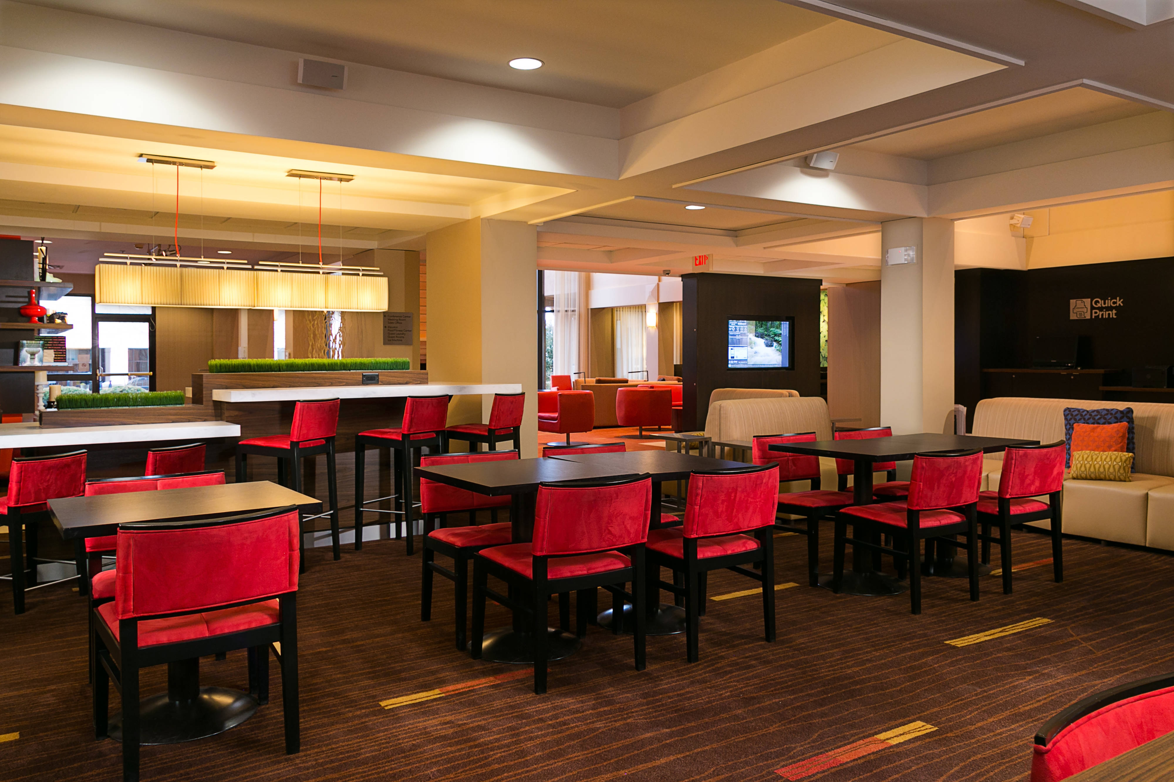 The Bistro - Dinning Area
