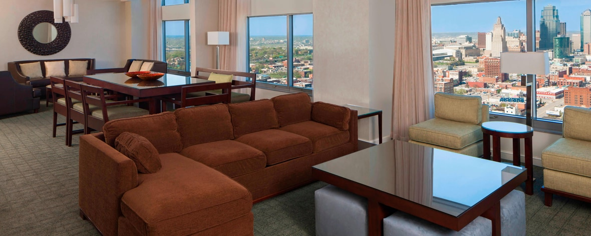 sheraton kansas city hotel at crown center kansas city spg. Black Bedroom Furniture Sets. Home Design Ideas
