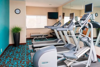 Lee's Summit hotel fitness center