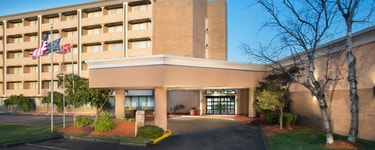 Four Points by Sheraton Kansas City – Sports Complex
