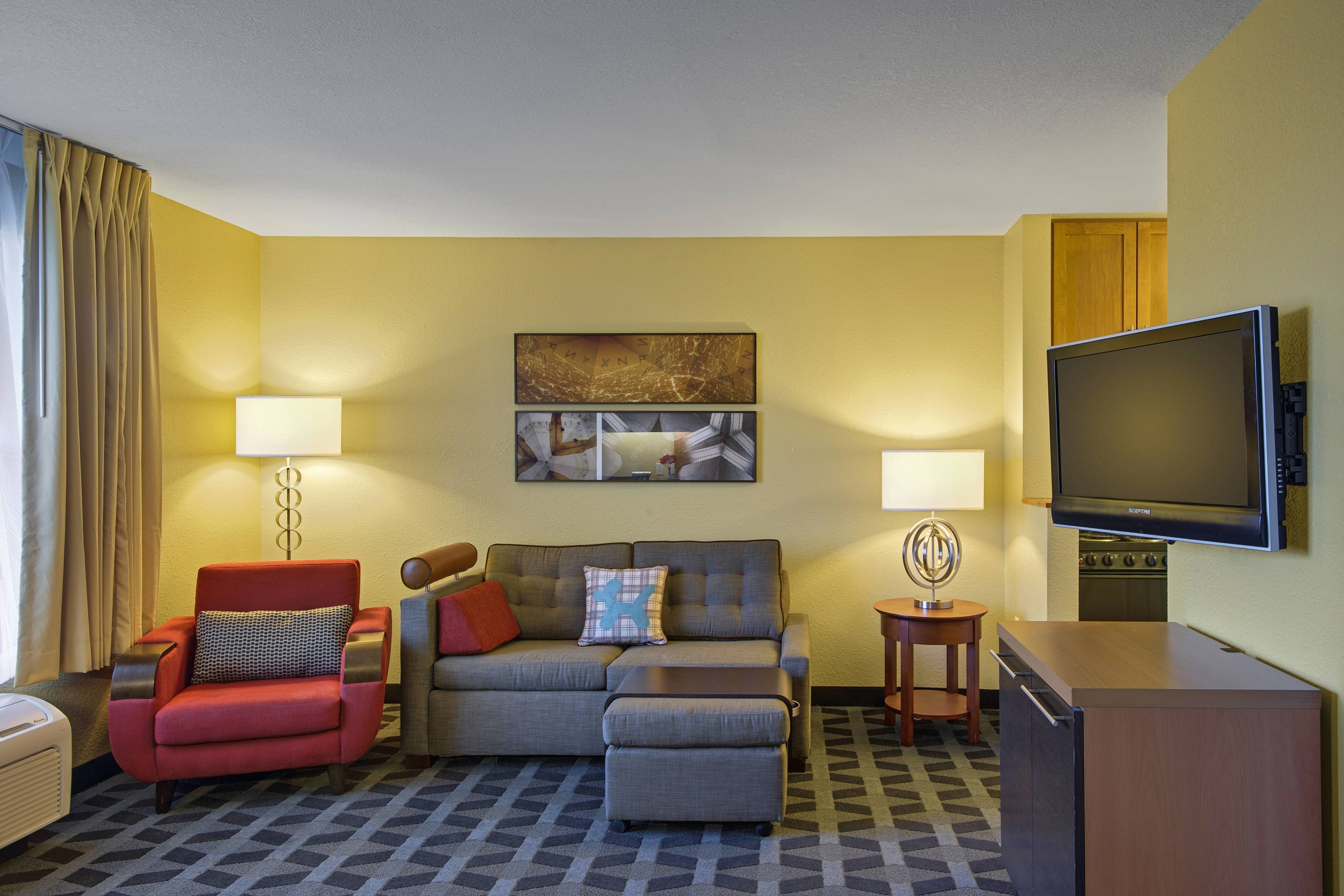 Towneplace Two-Bedroom Suite, Overland Park, KS
