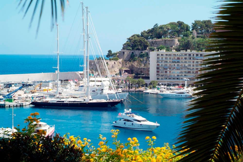 Accomodations near Monaco harbour
