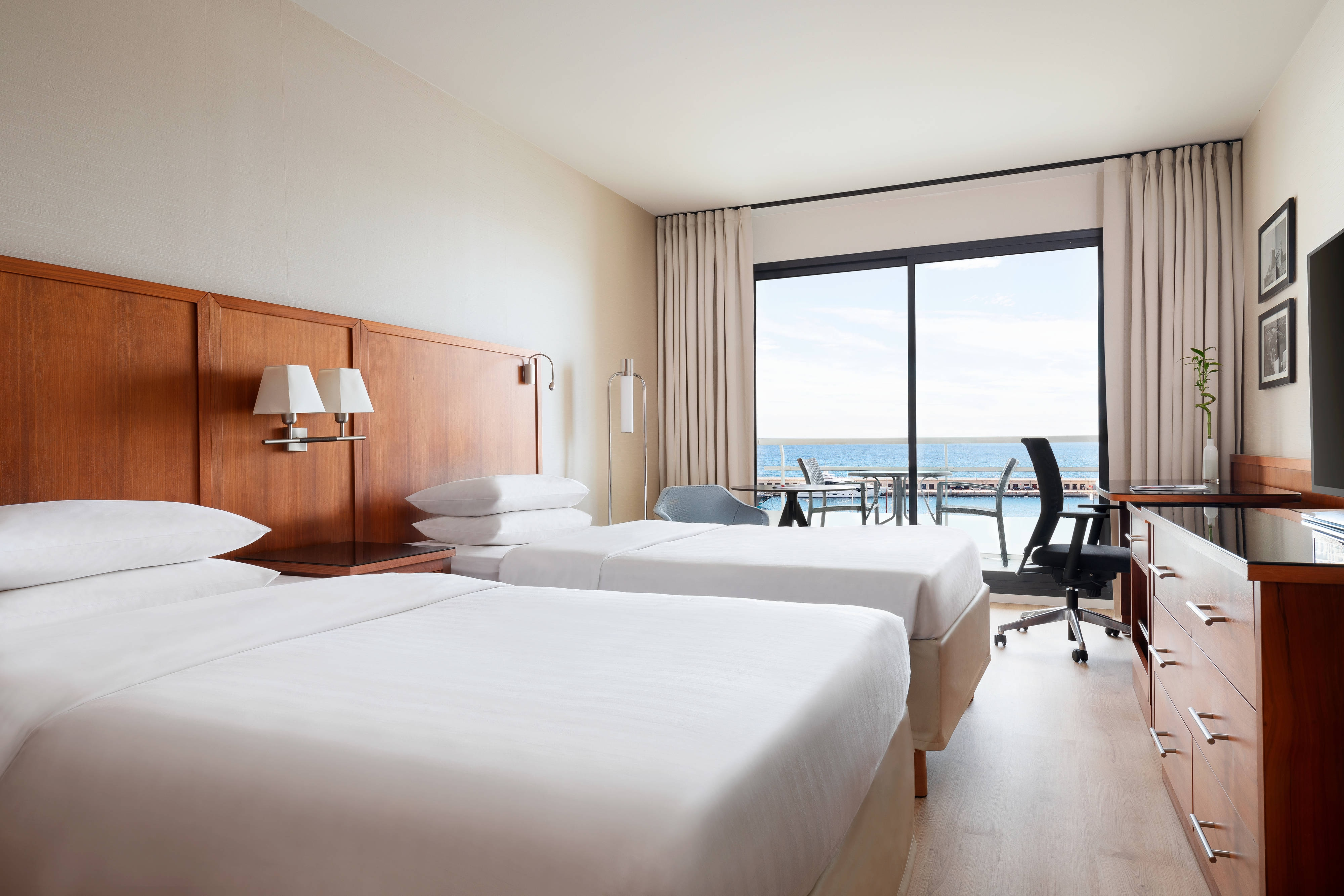 Twin/Twin Business Sea View Guest Room