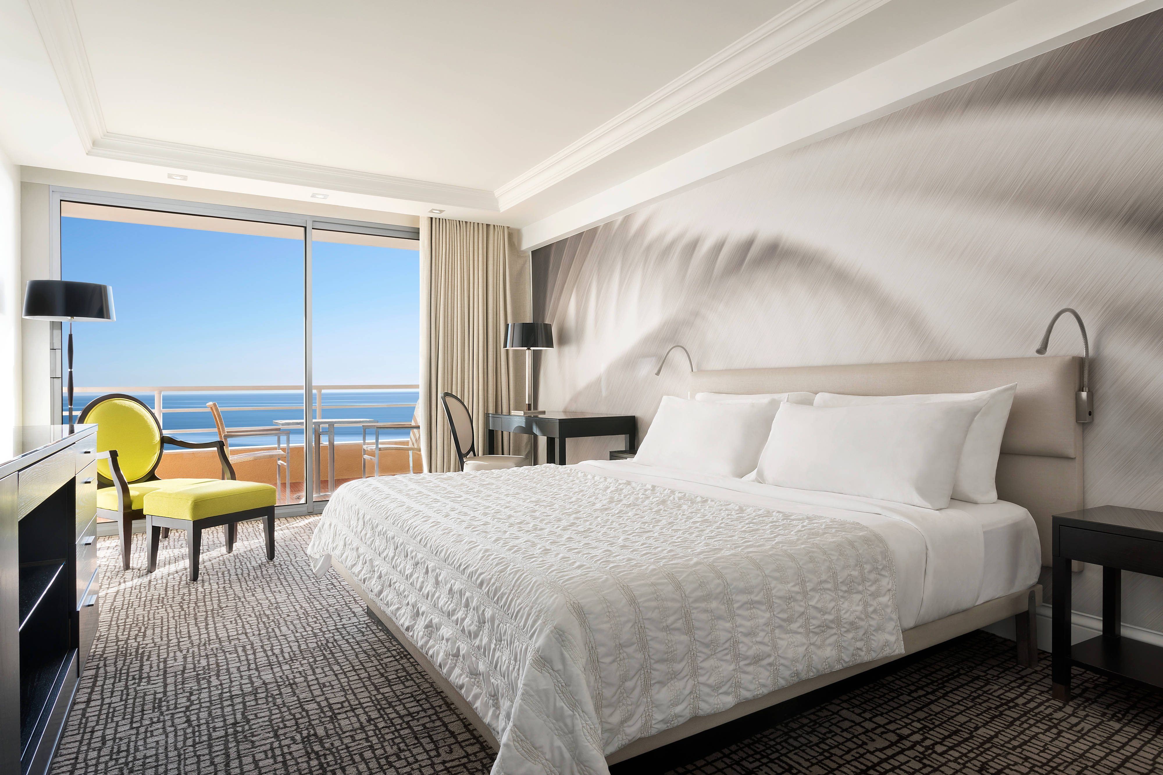 Deluxe front sea View Room