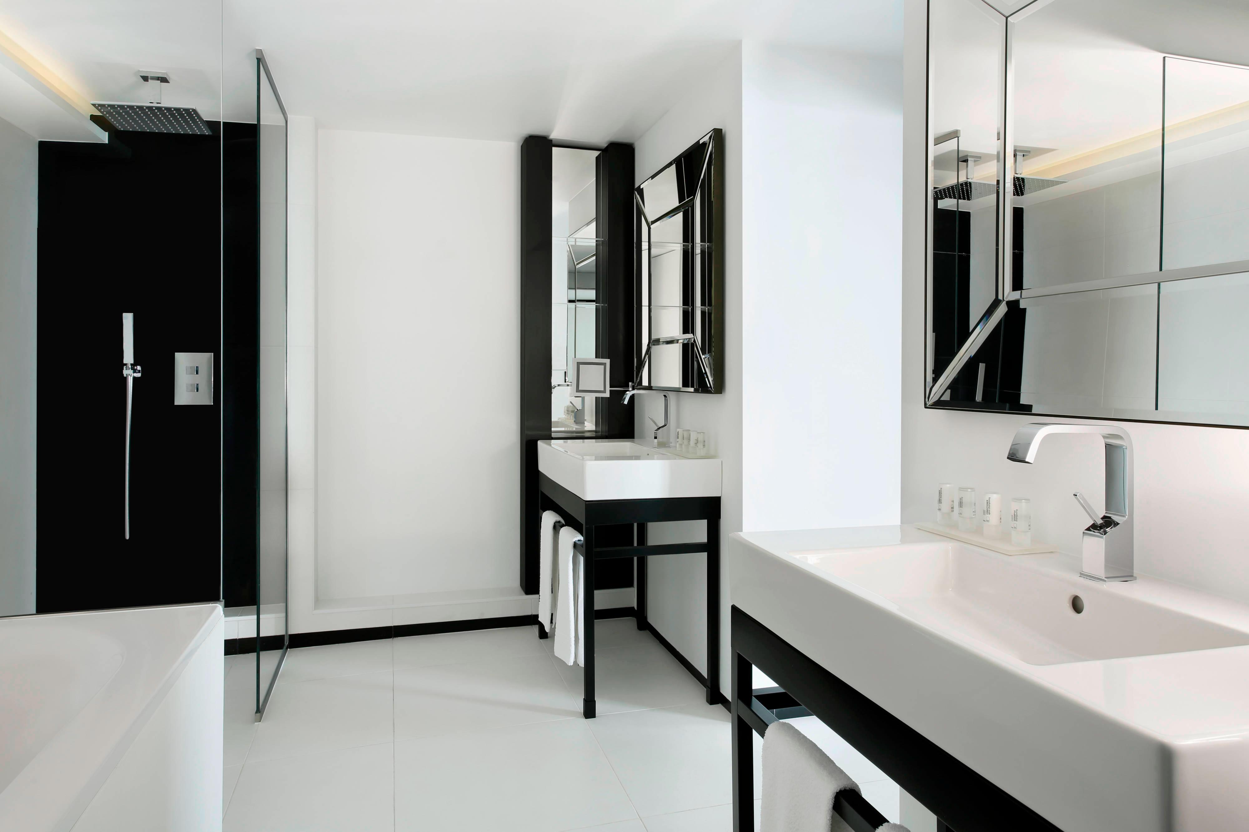 Suite LE MERIDIEN - Bathroom