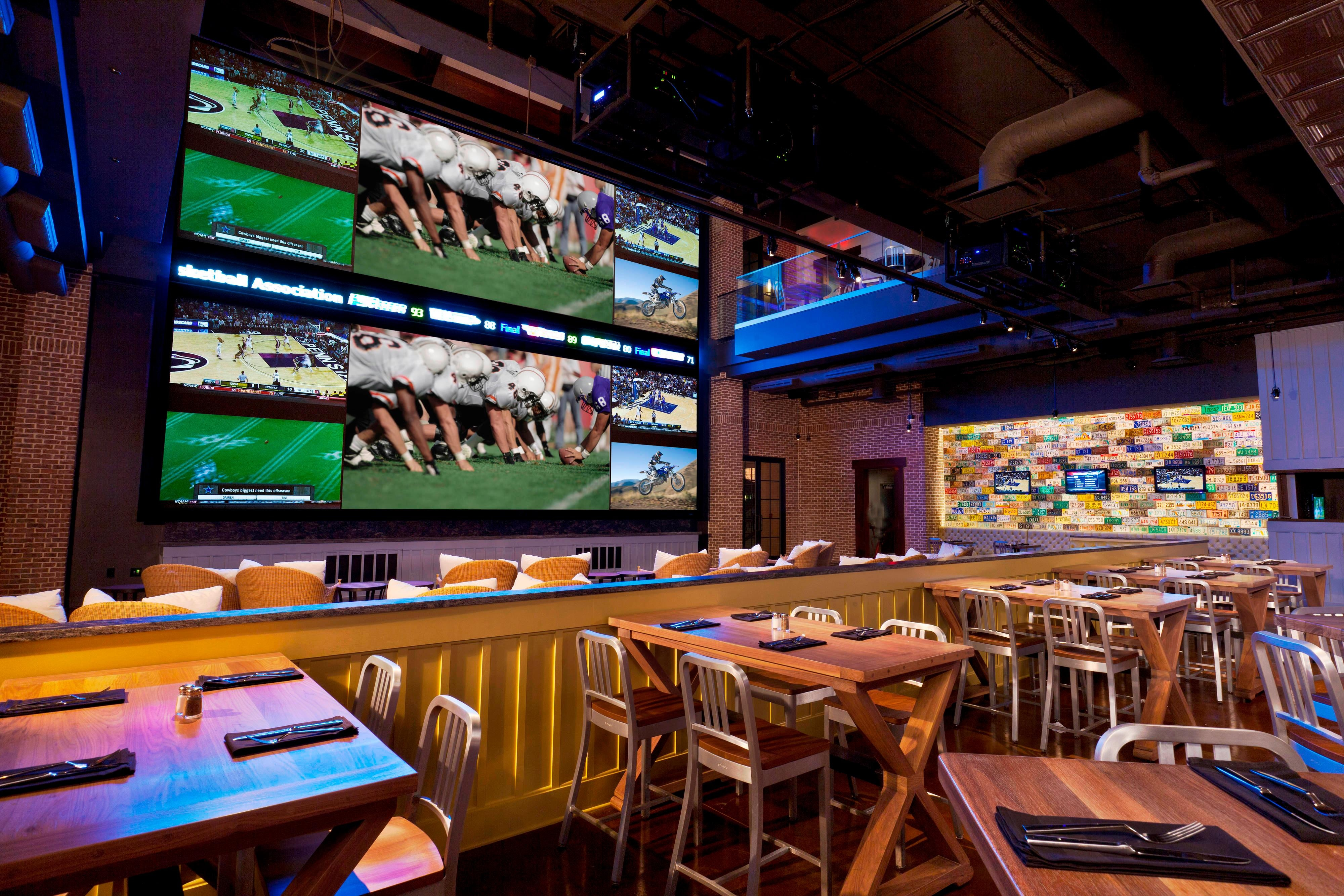 Gaylord Palms Wreckers Sports Bar