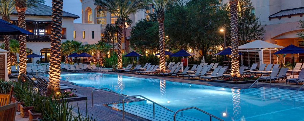 Piscina al aire libre para adultos en Gaylord Palms, South Beach