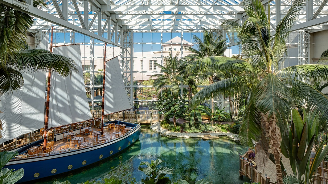 Gaylord Palms Key West – Atrium mit Segelboot