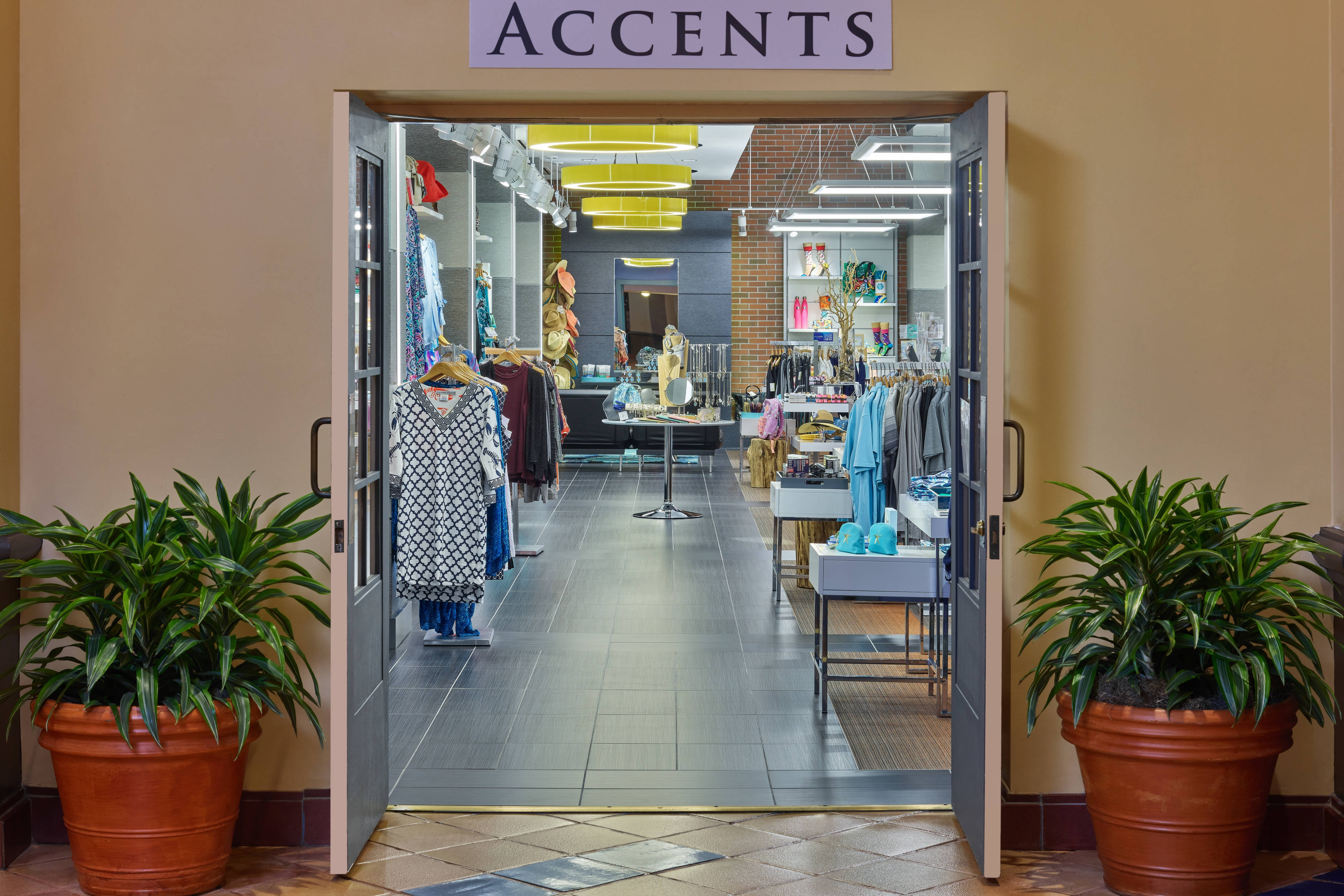Boutique Accents