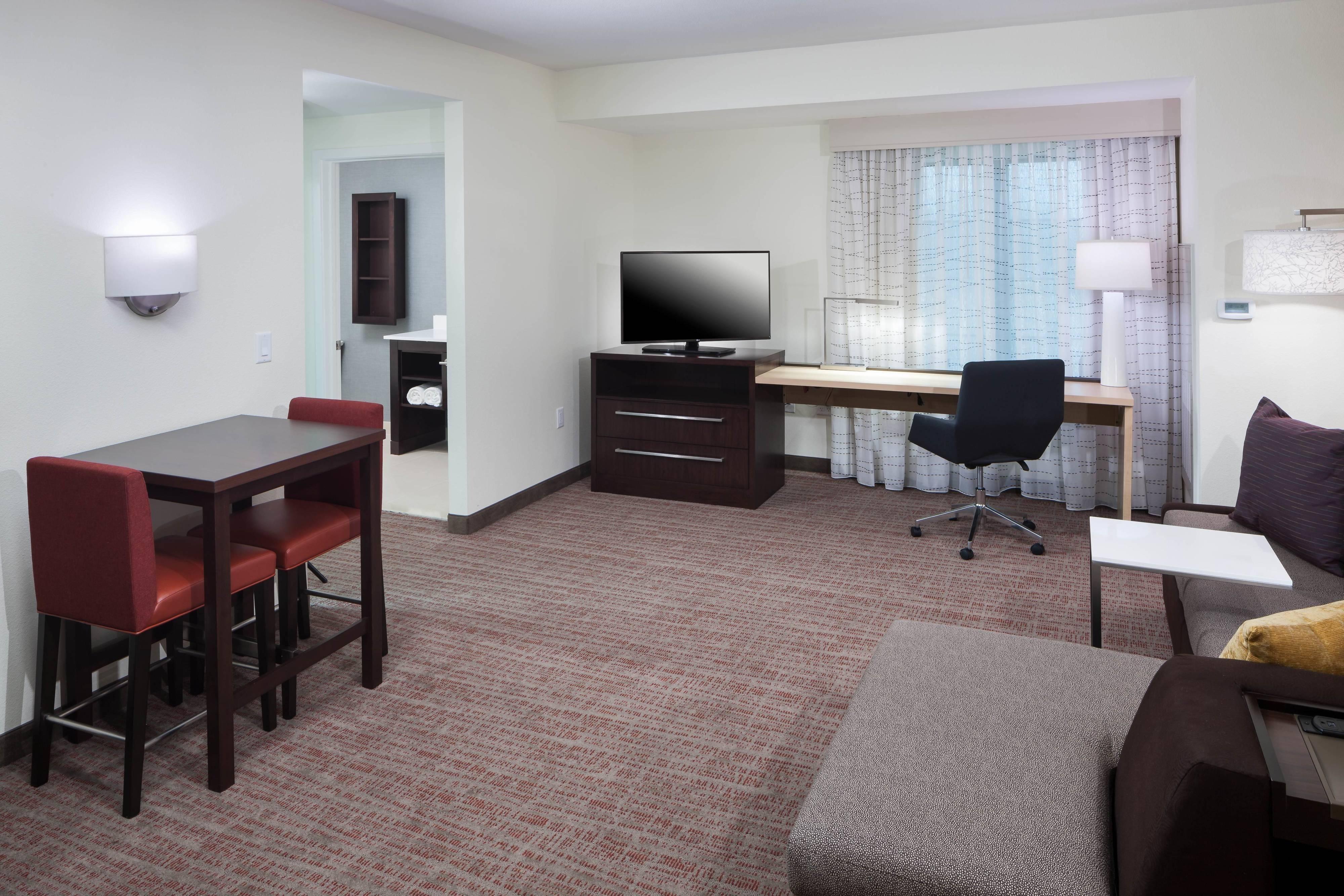 One-Bedroom Queen/Queen Suite
