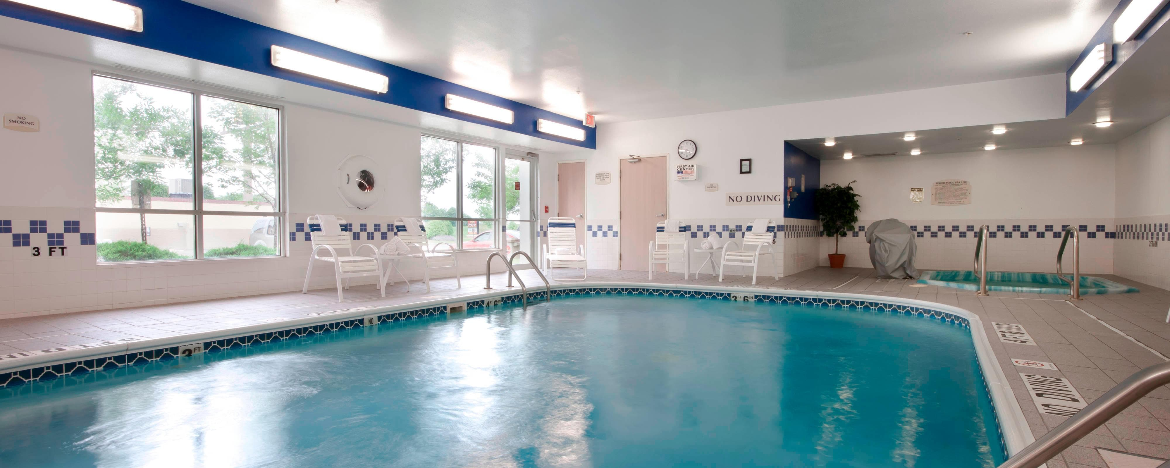 Joliet Illinois Hotel Indoor Pool
