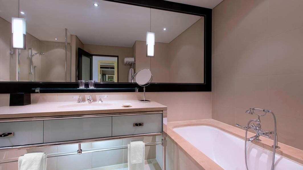 Westin Room Bathroom