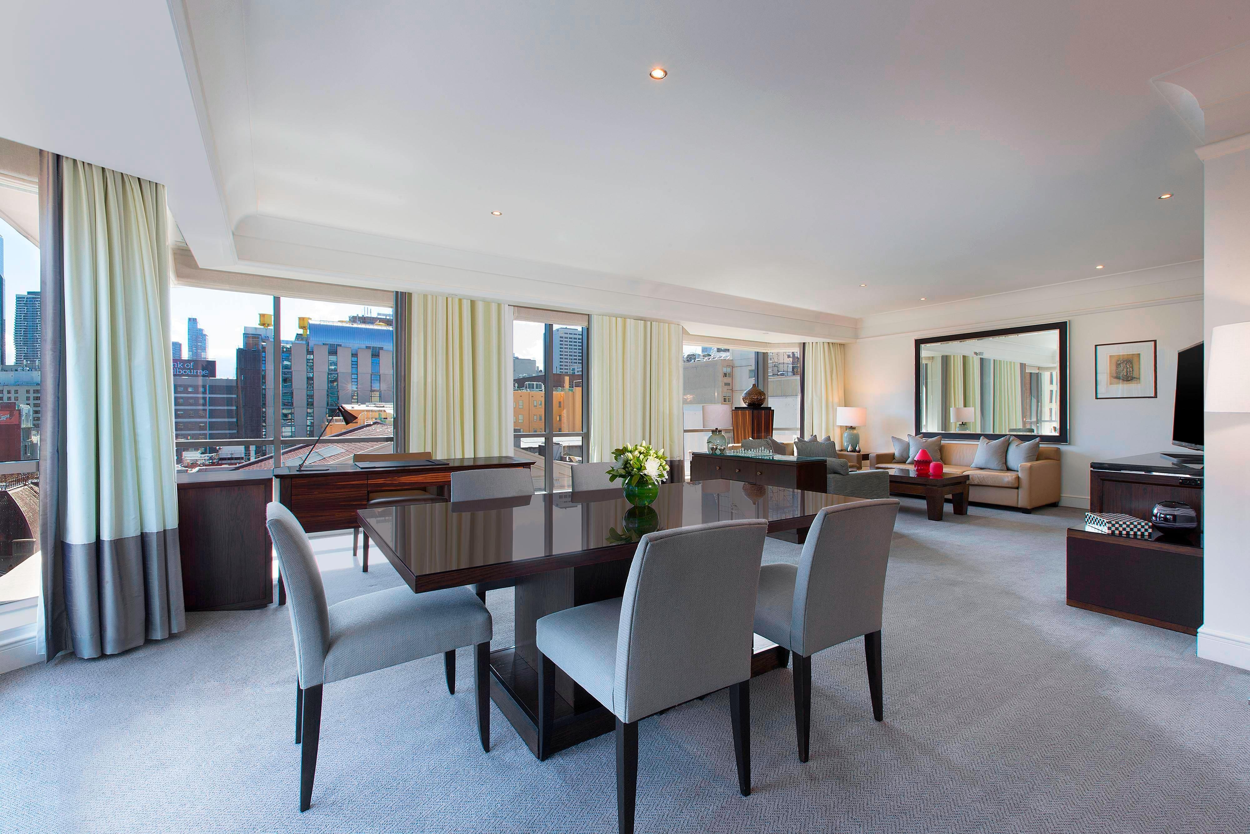 Regent Suite Lounge