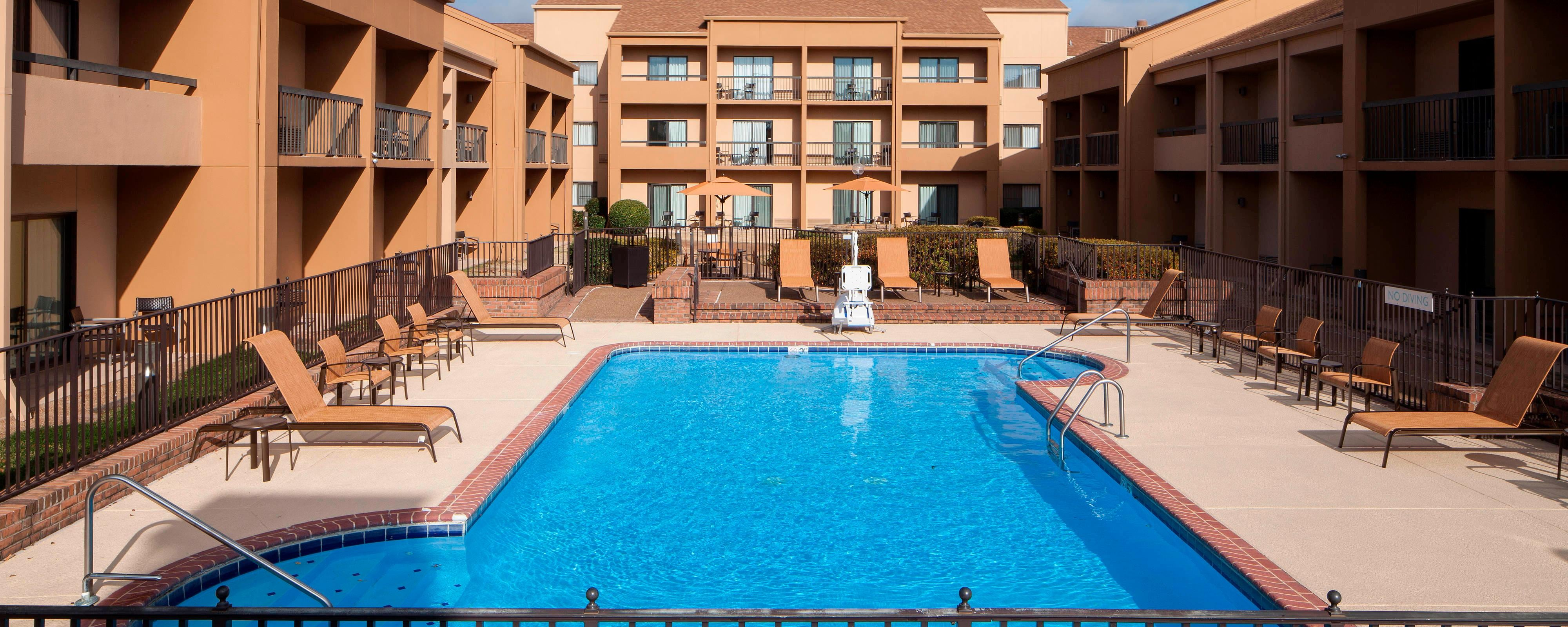 Memphis Airport Hotel with Pool and Gym | Courtyard Memphis ...