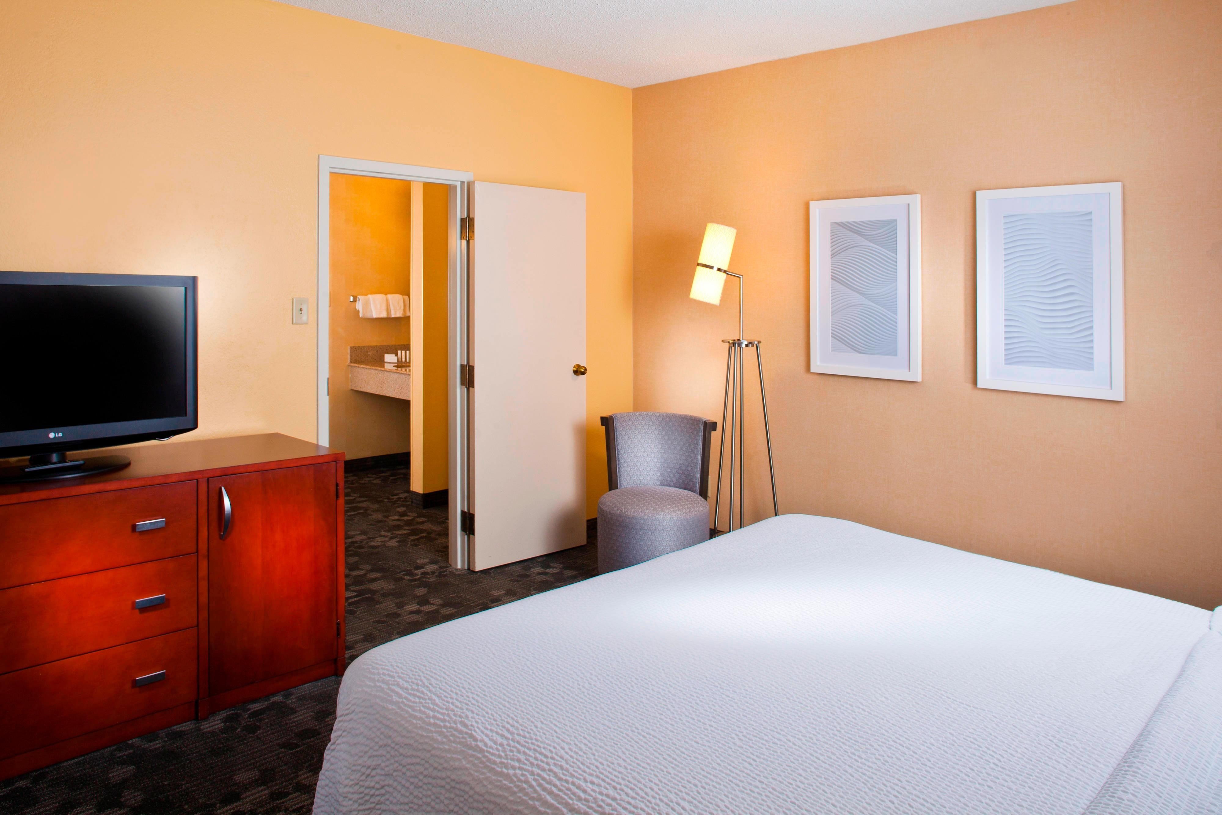 Memphis Airport Hotel Rooms And Suites Courtyard Memphis Airport