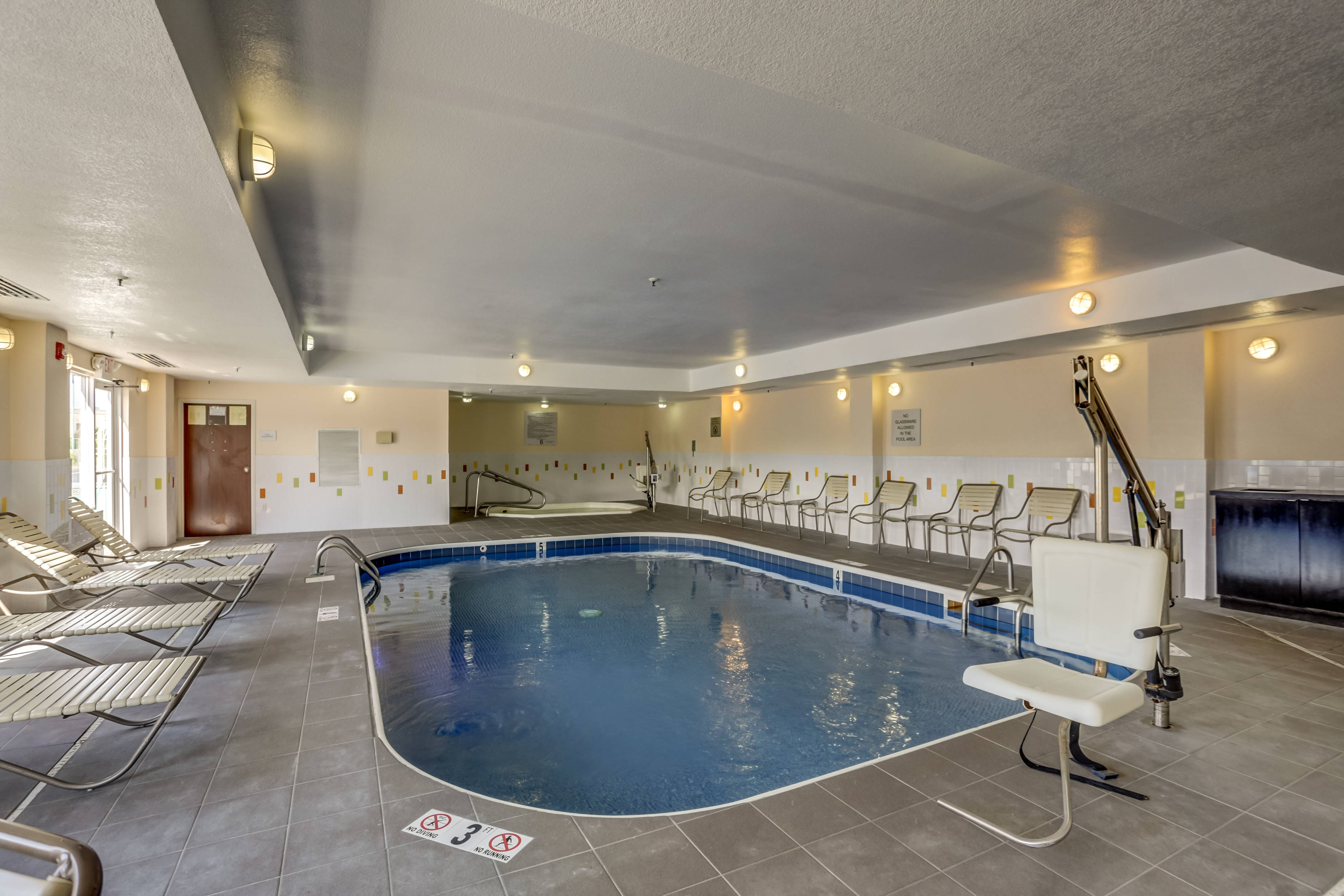 Memphis hotel indoor pool
