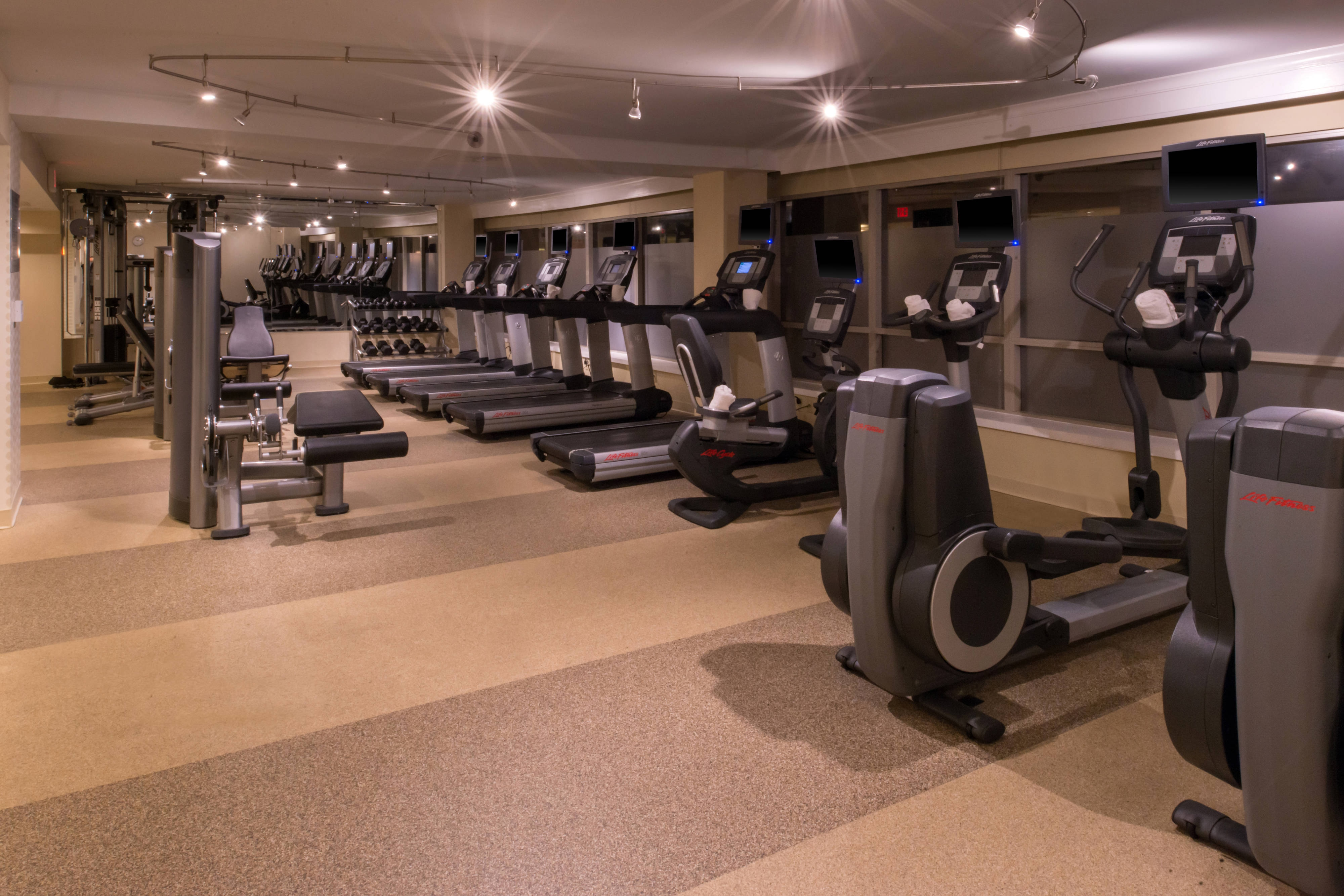 memphis hotel fitness center