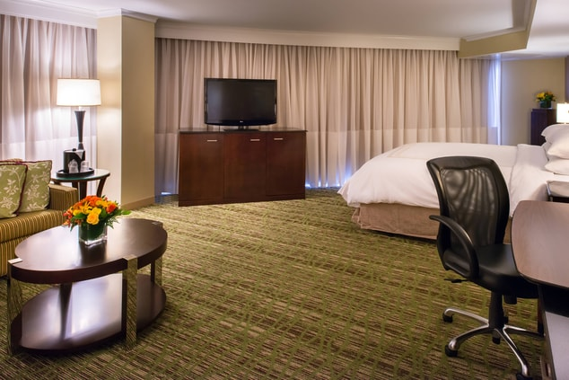 king hotel rooms in memphis