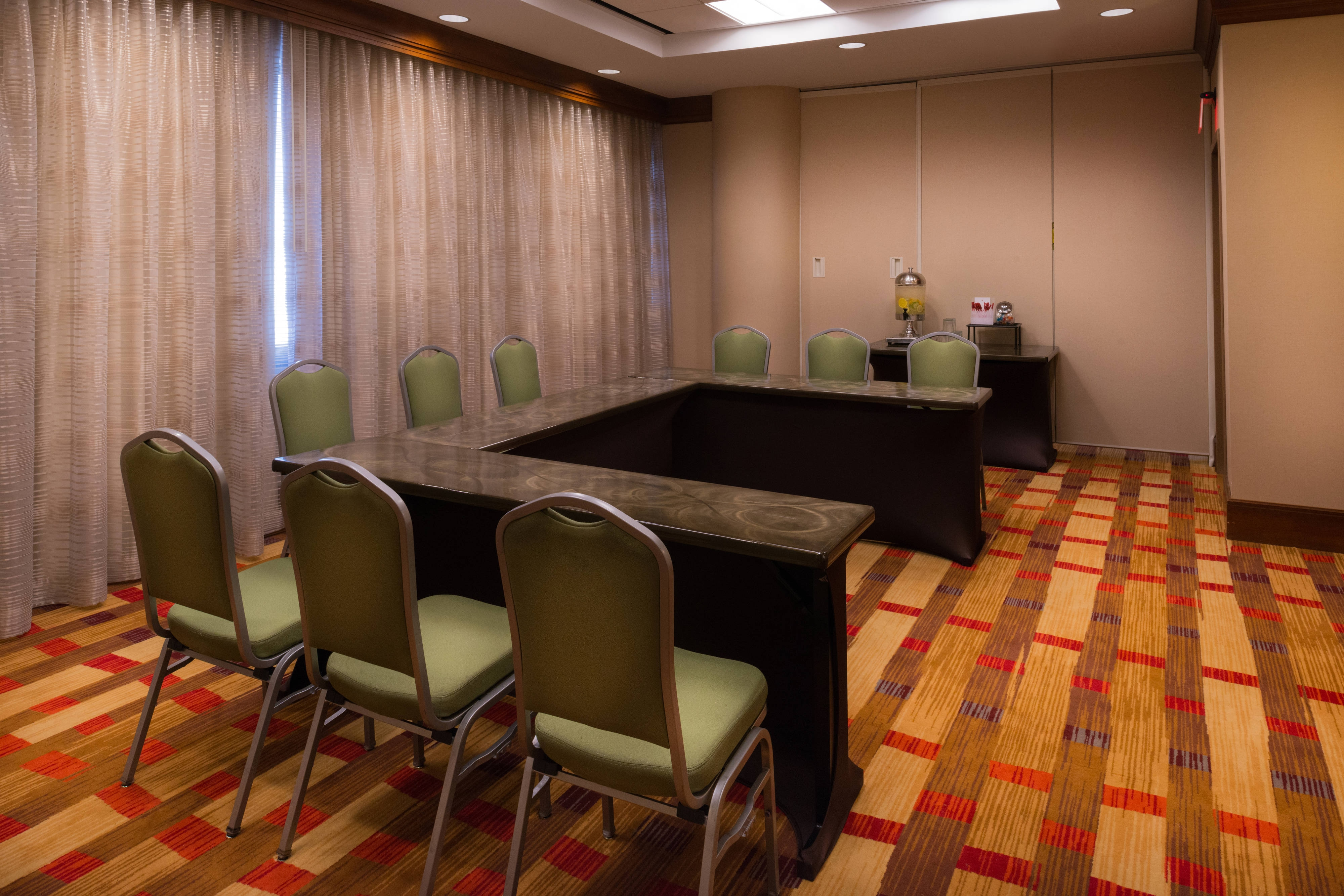 east memphis meeting room