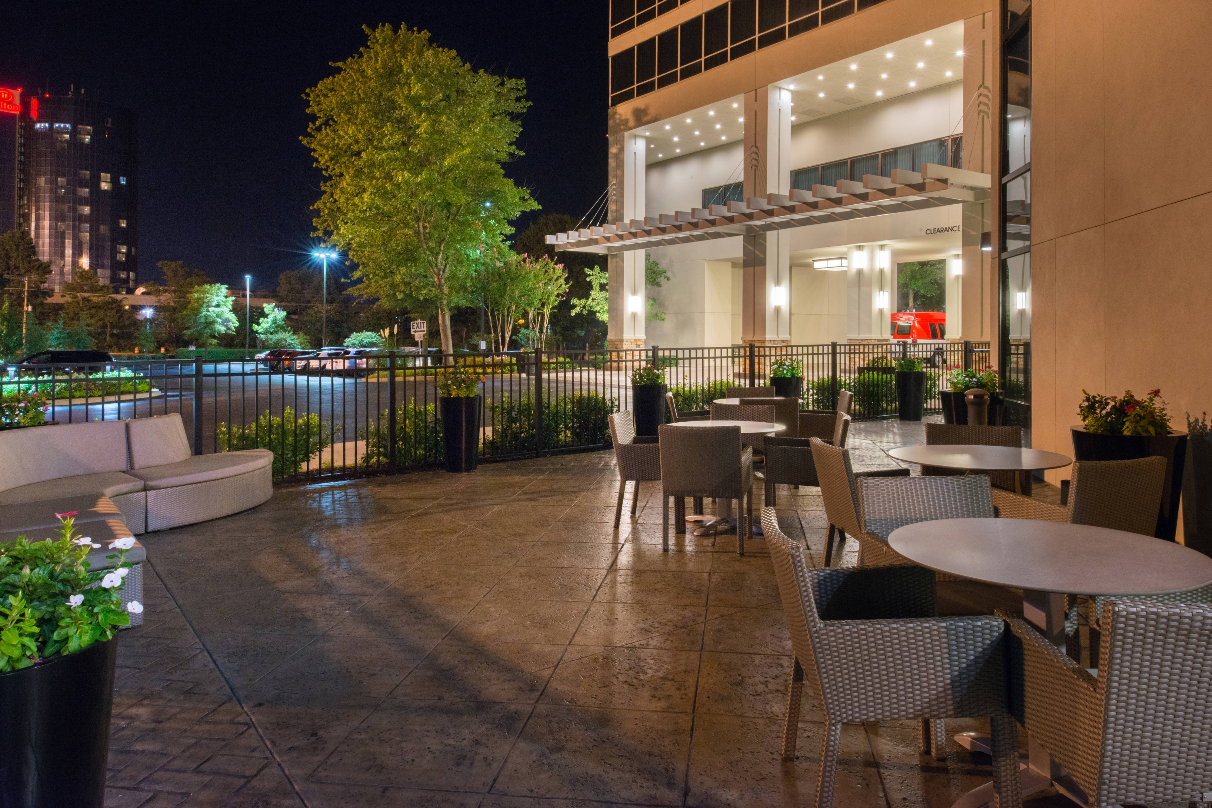 memphis hotel outdoor patio