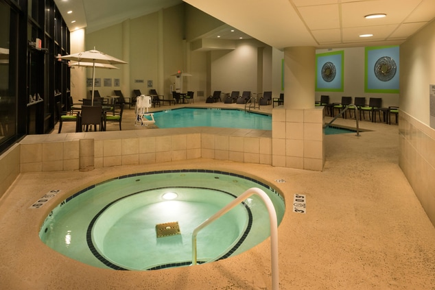 memphis hotel with hot tub