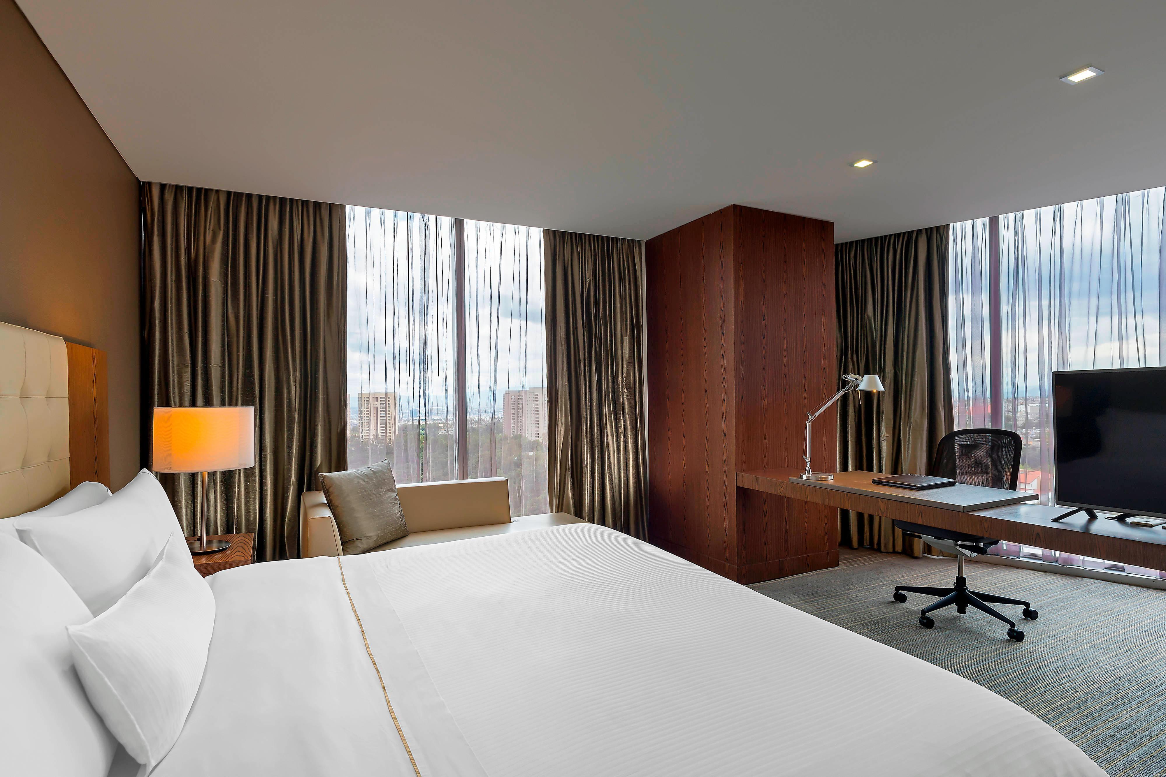 Premium Suite Valley View