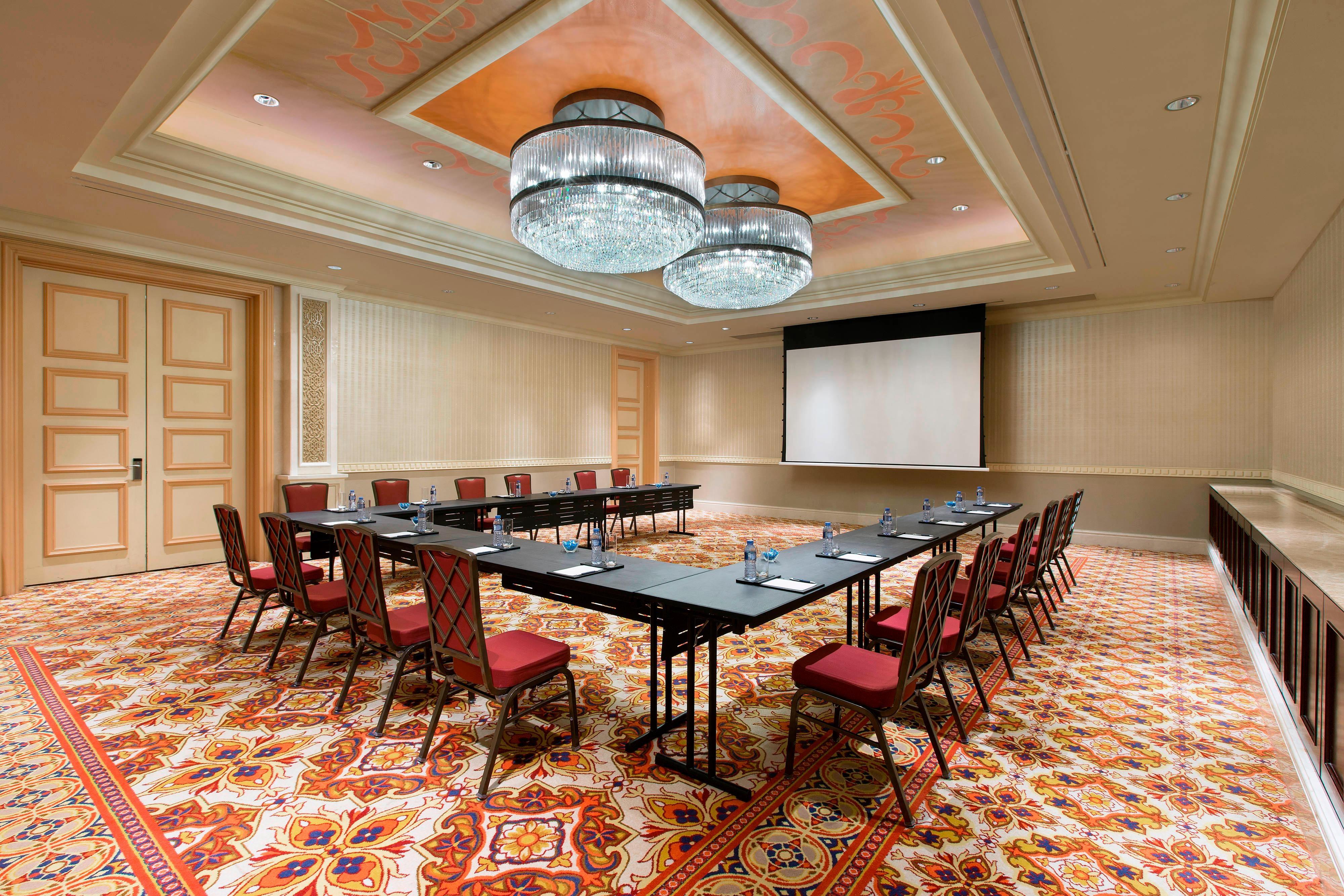 Hamadan CaBaret Setup Semi Room