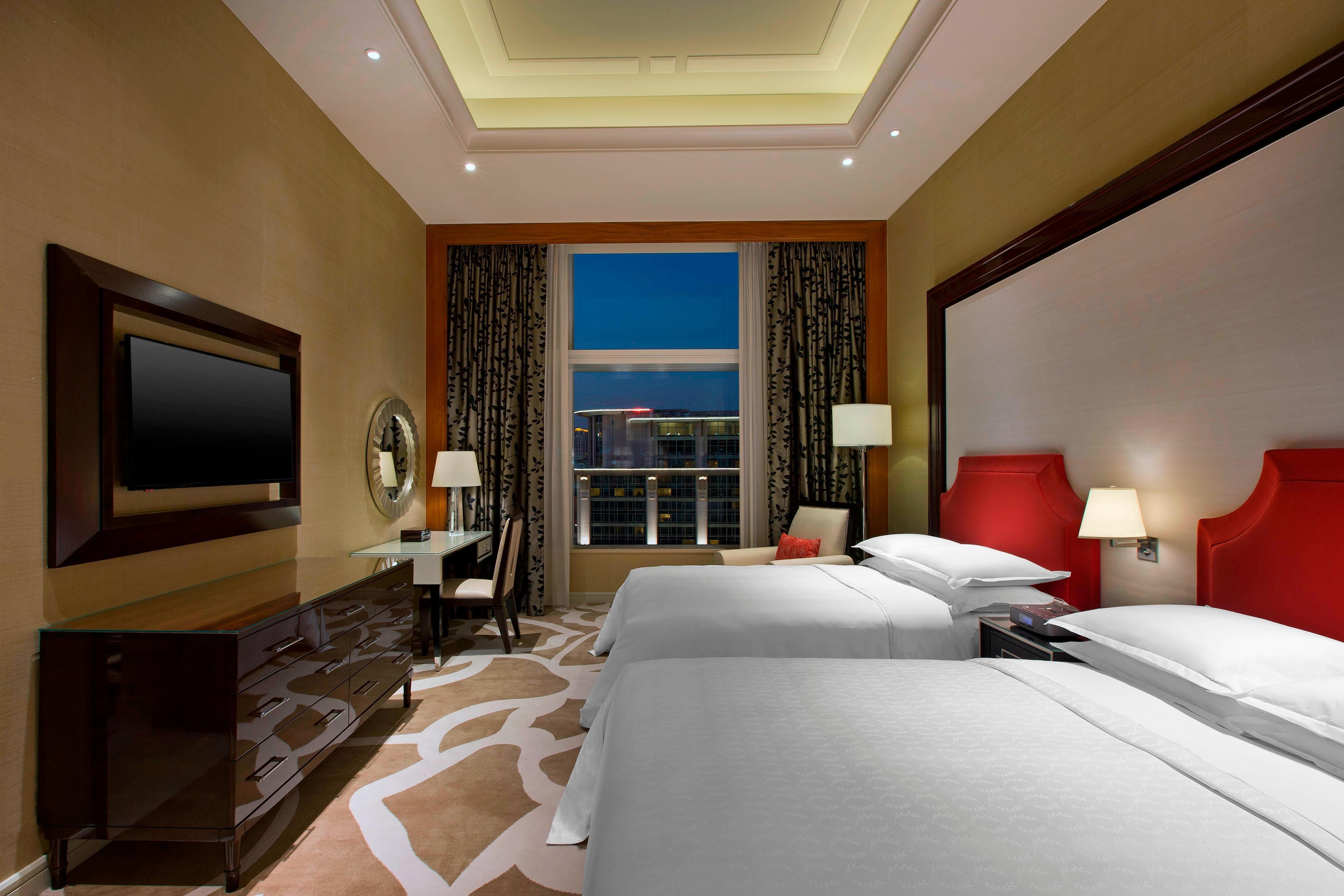 Executive Deluxe Suite - Bedroom