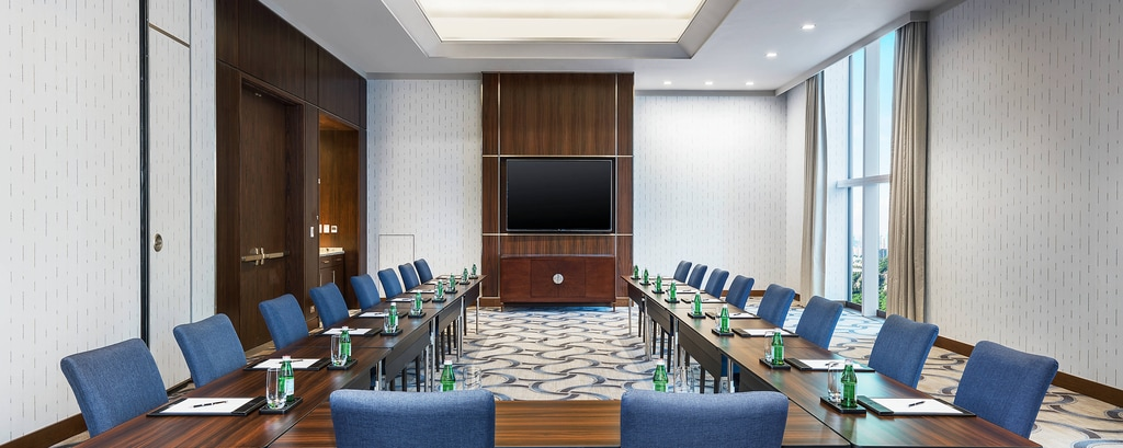 Amber Meeting Room U - shape Set-up