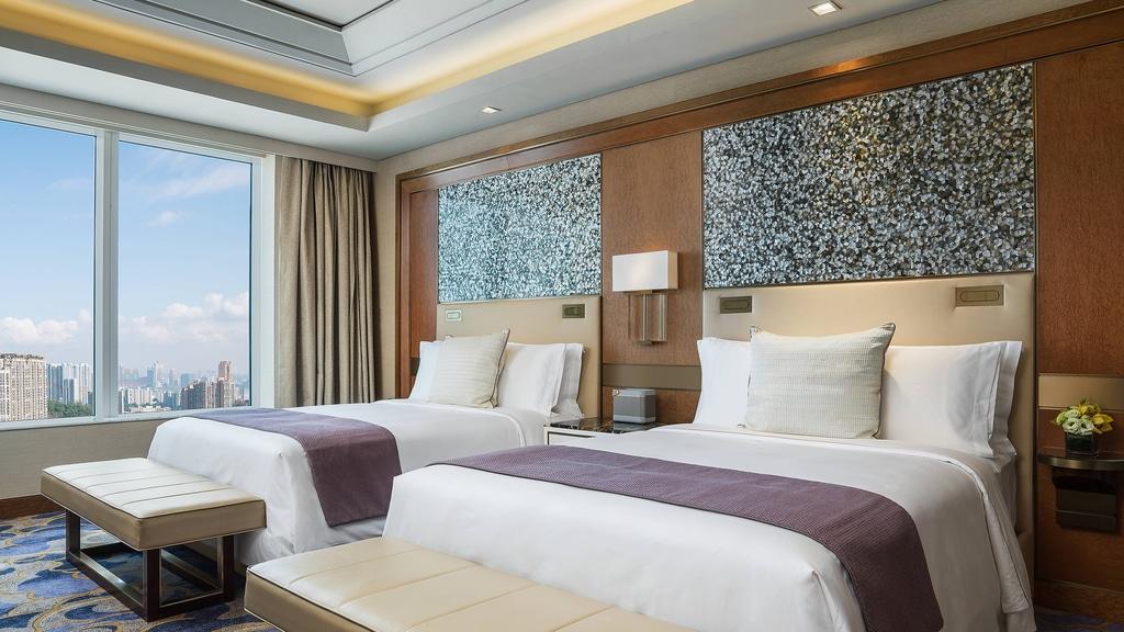 Empire Suite - Bedroom - Queen Beds