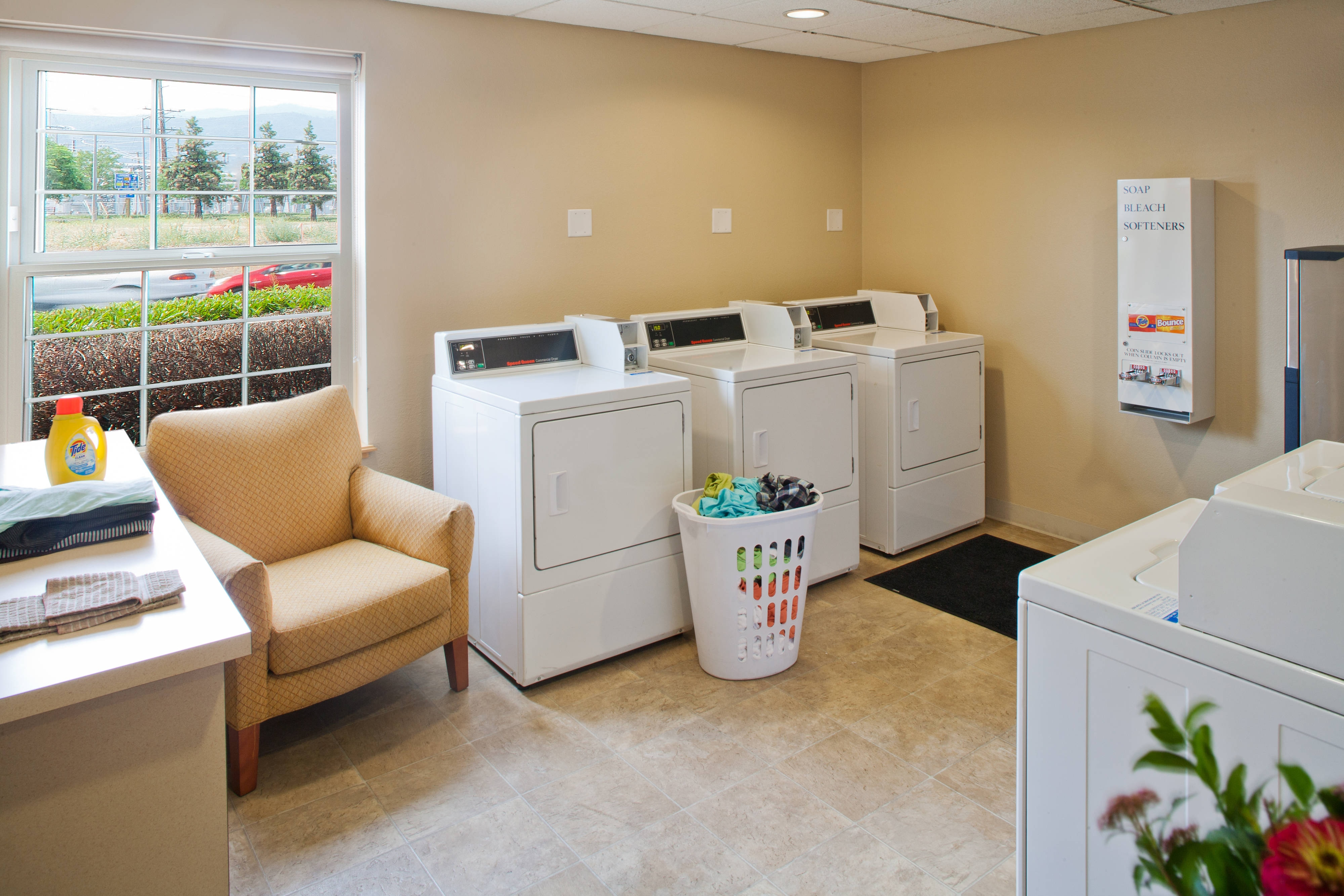 medford hotels with laundry service