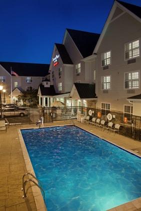 Medford Oregon Hotel Pool