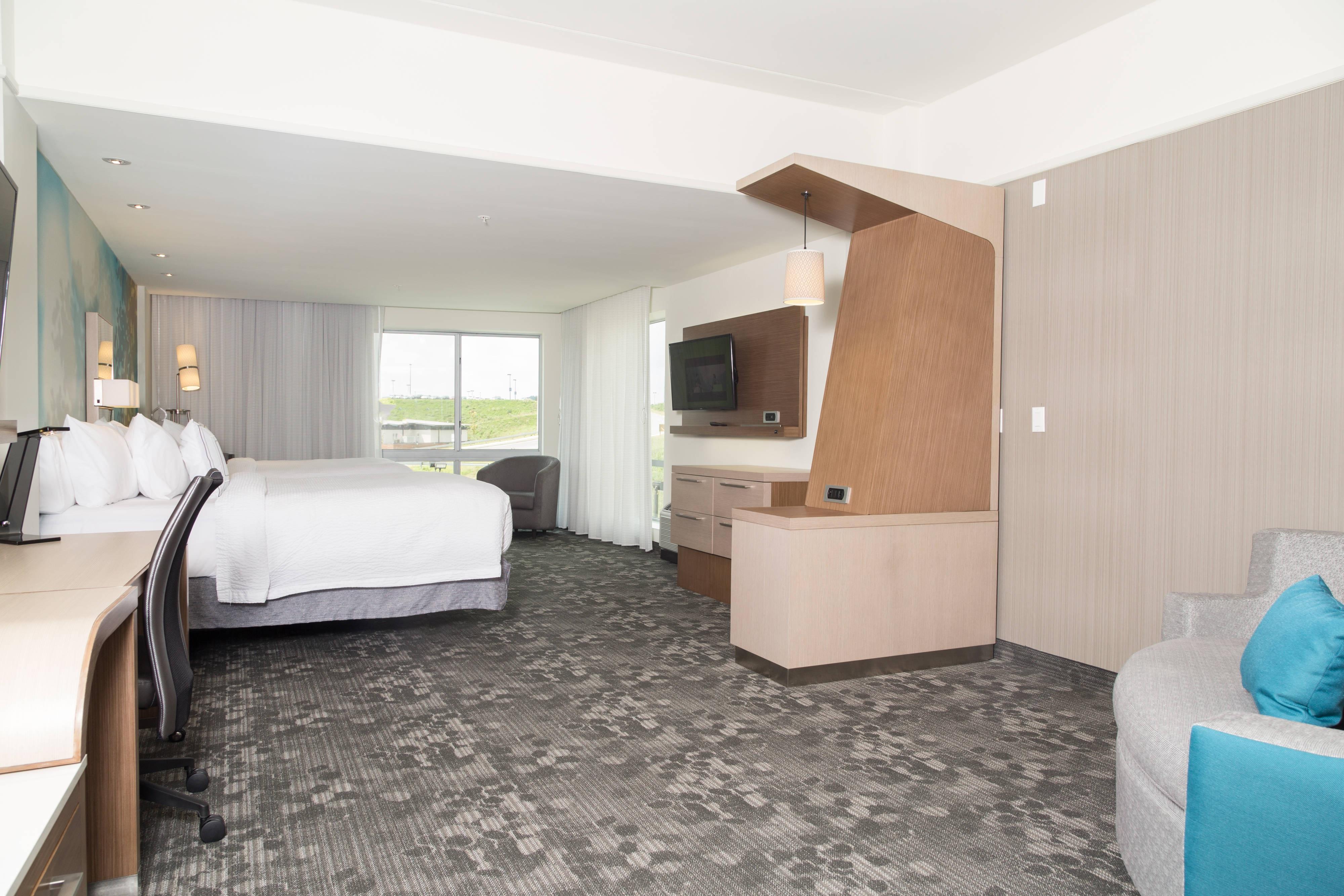 Queen/Queen Bed Suite