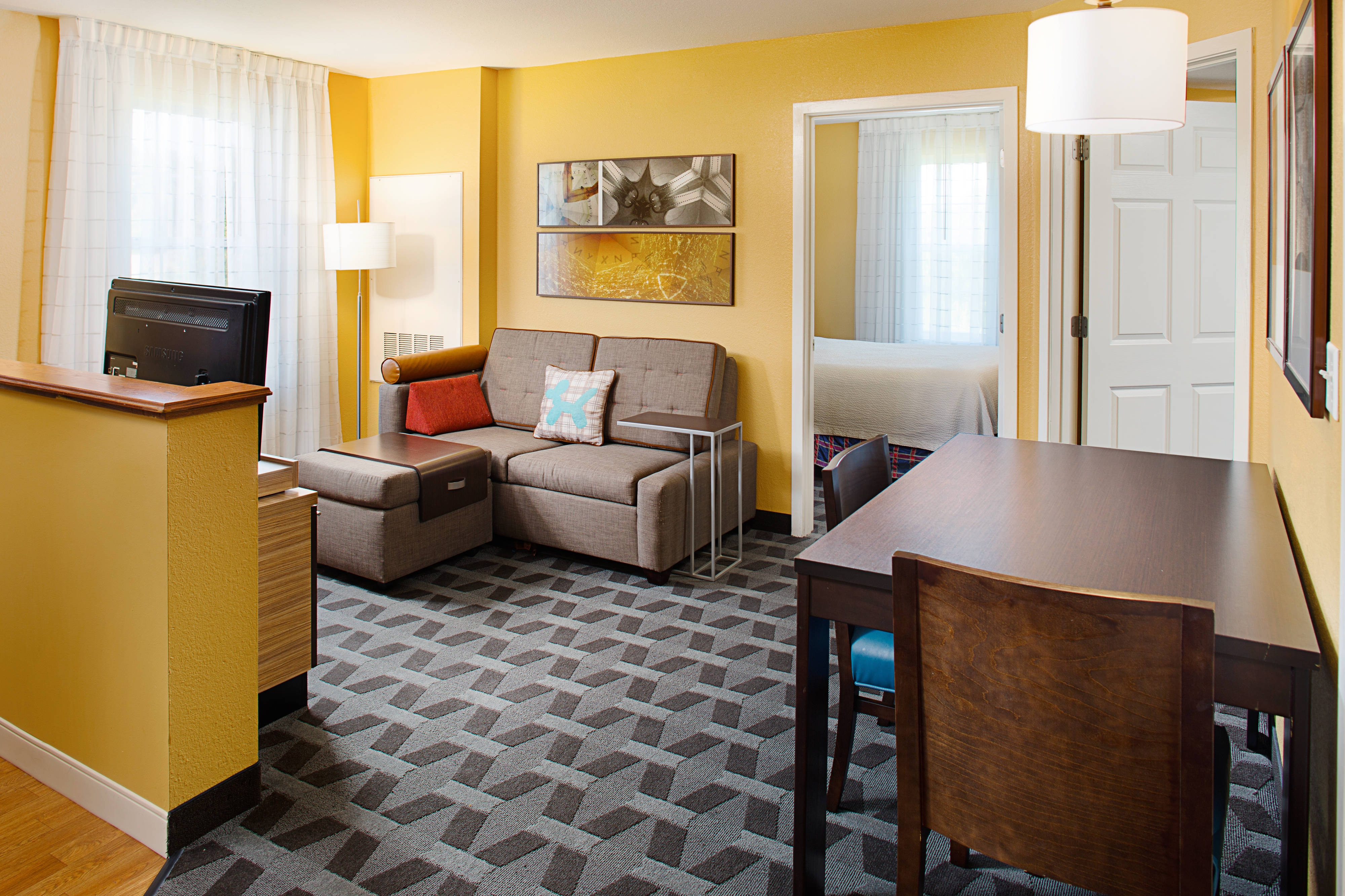 Towneplace suites manchester boston regional airport - Hotels with 2 bedroom suites in boston ma ...