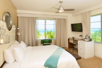 Zimmer mit Kingsize-Bett am Meer in Winter Haven