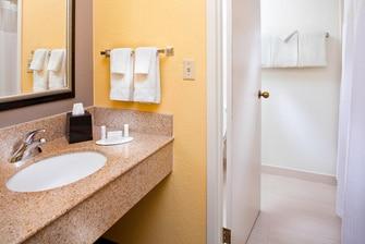 Waschtisch im Bad eines Gästezimmers
