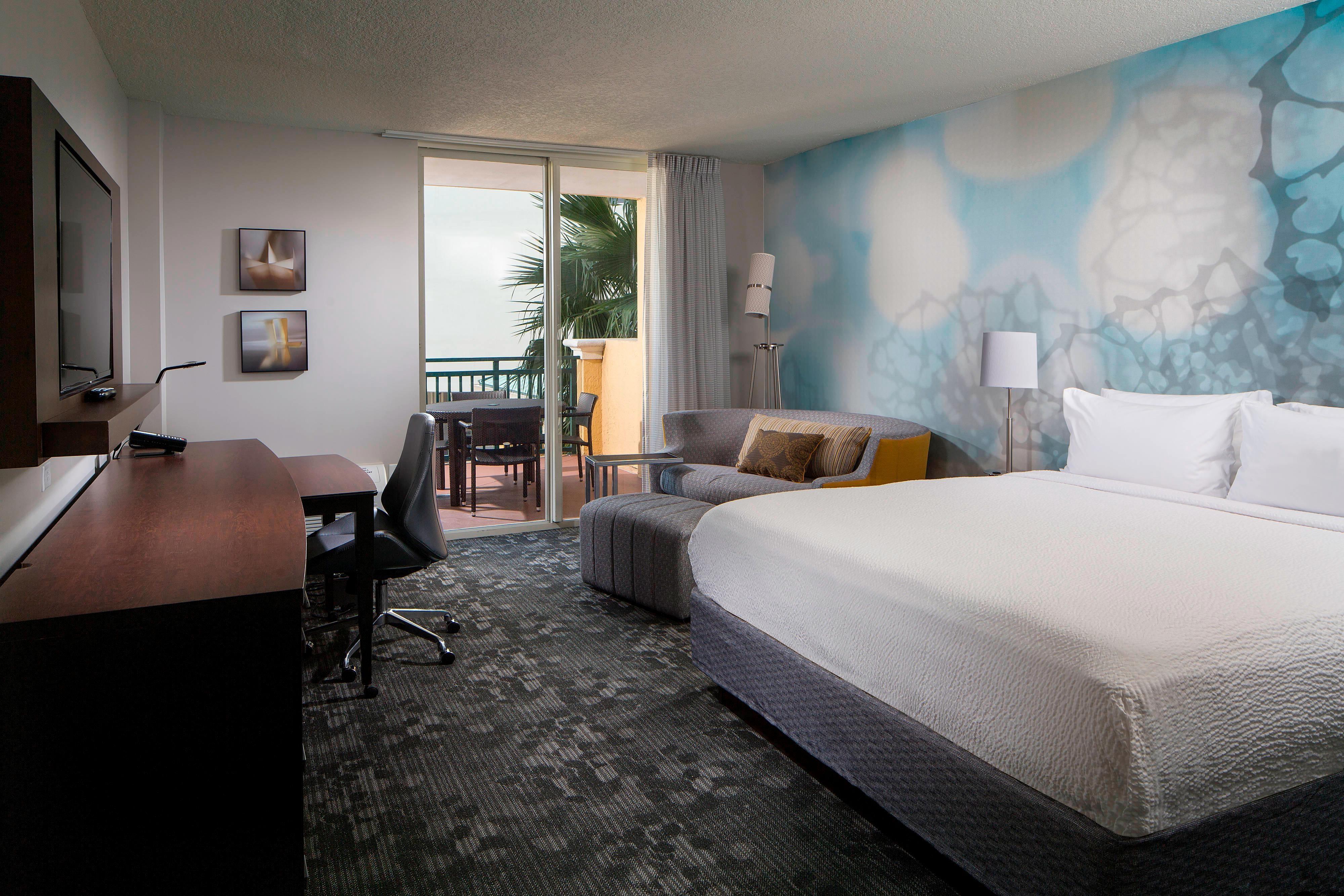 Gästezimmer mit Kingsize-Bett – Balkon