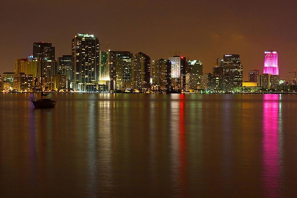 Miami Skyline – Miami Courtyard