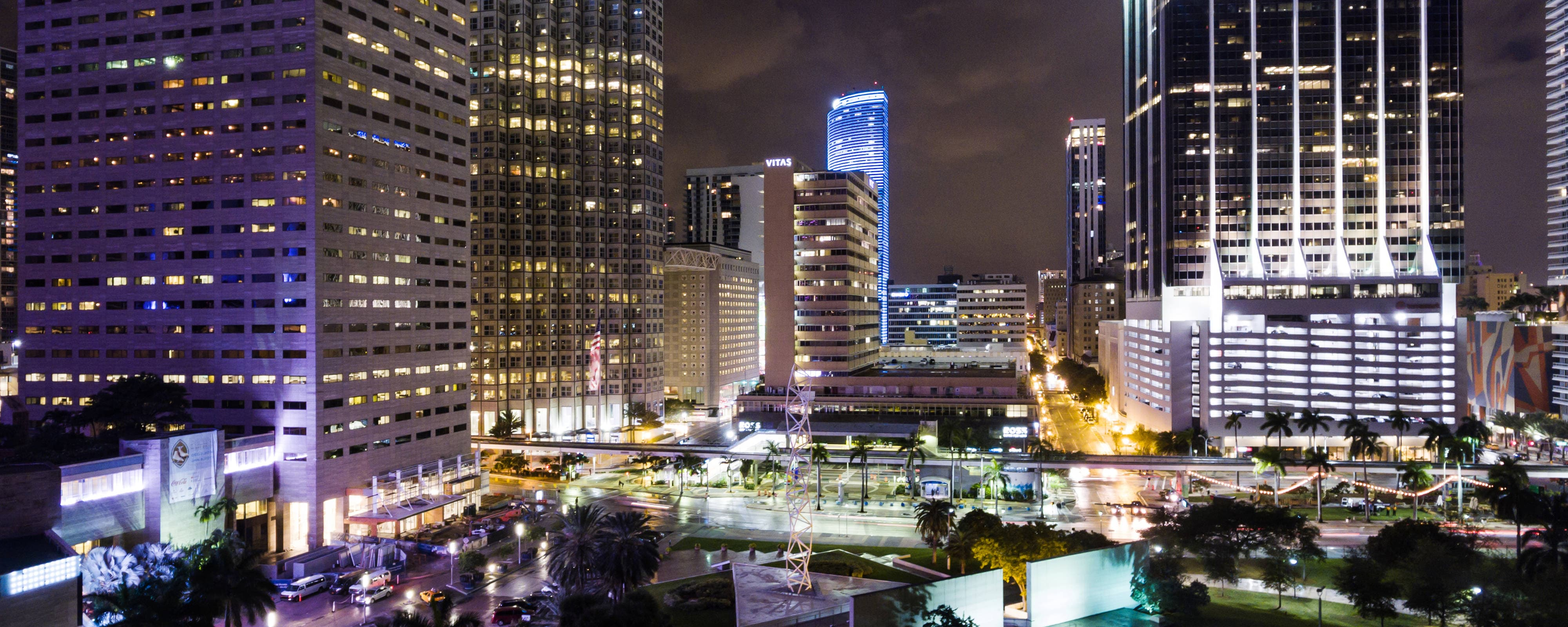 Hotel Near American Airlines Arena Courtyard Miami Downtown