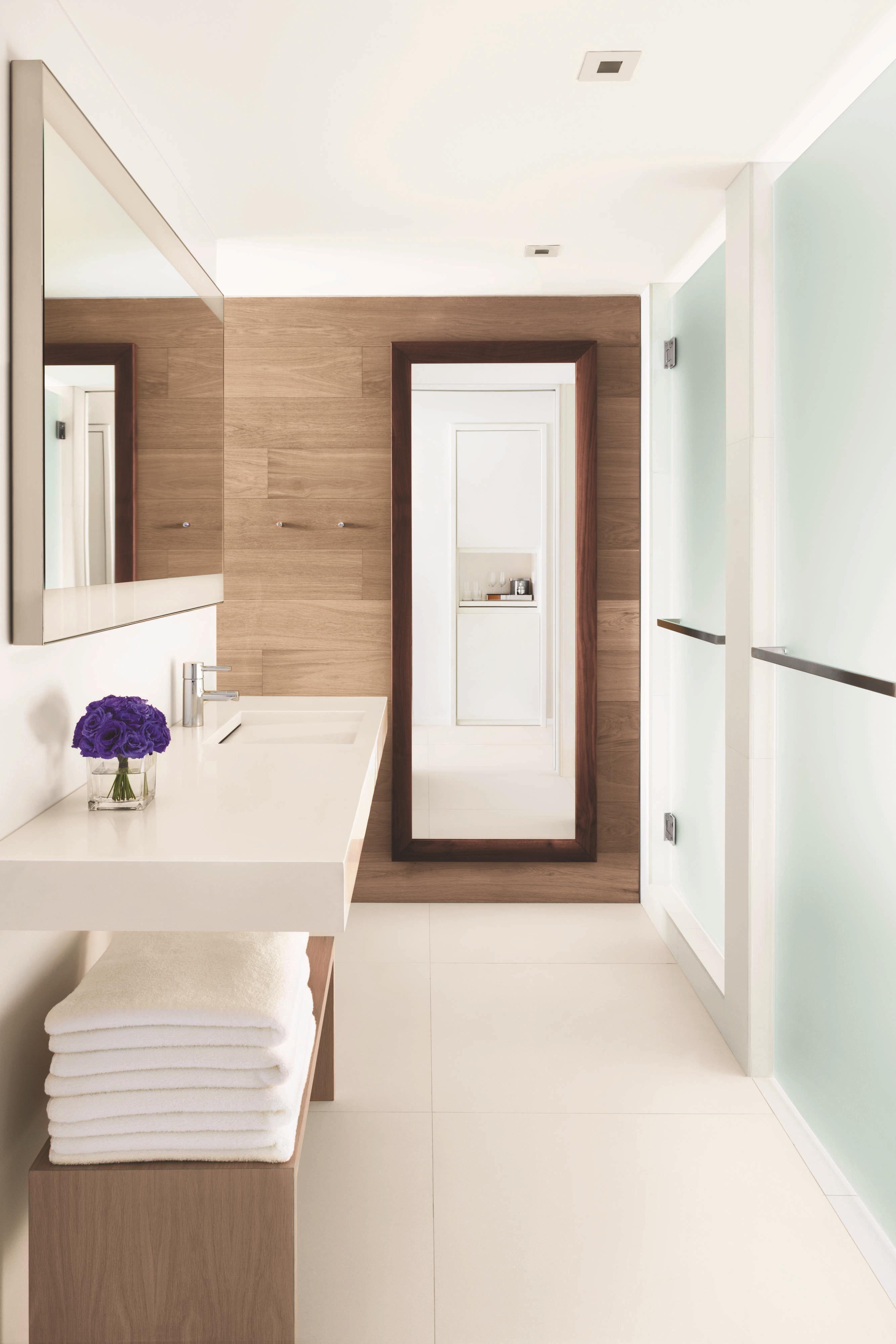 Exotic Hotel Rooms: Miami Beach, FL Luxury Oceanfront Hotel