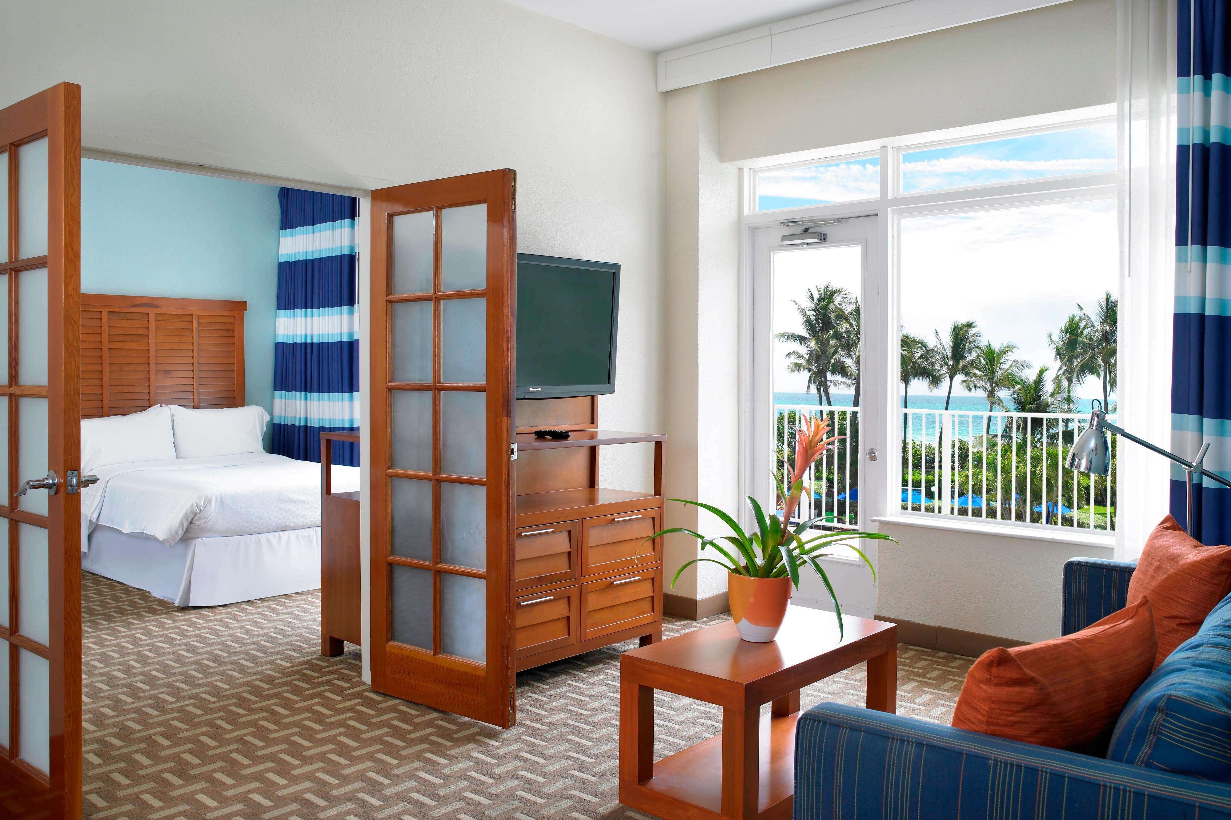 Double/Double Oceanfront Executive Suite Parlor