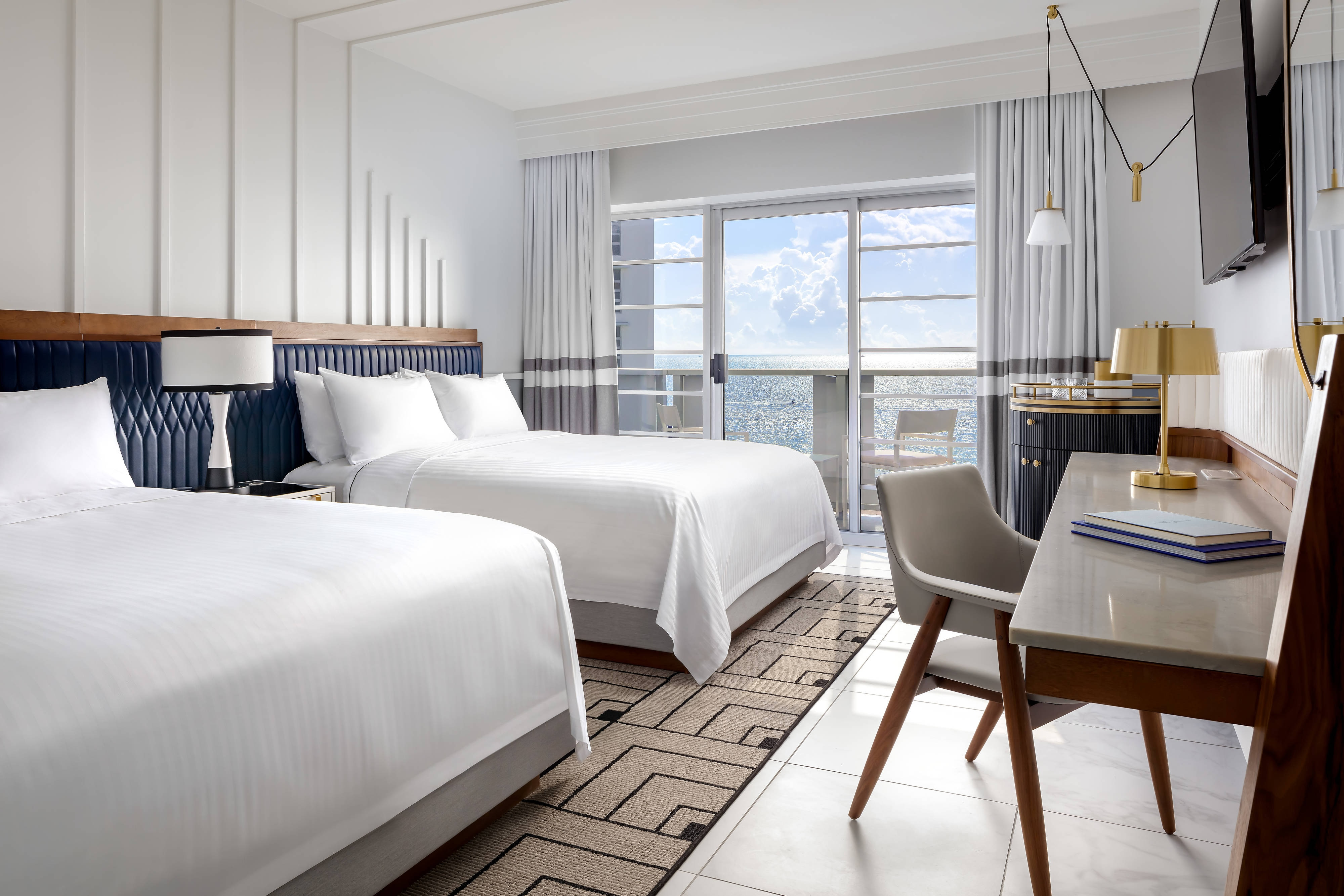 Miami Beach Oceanfront Hotels with Balcony | Cadillac ...