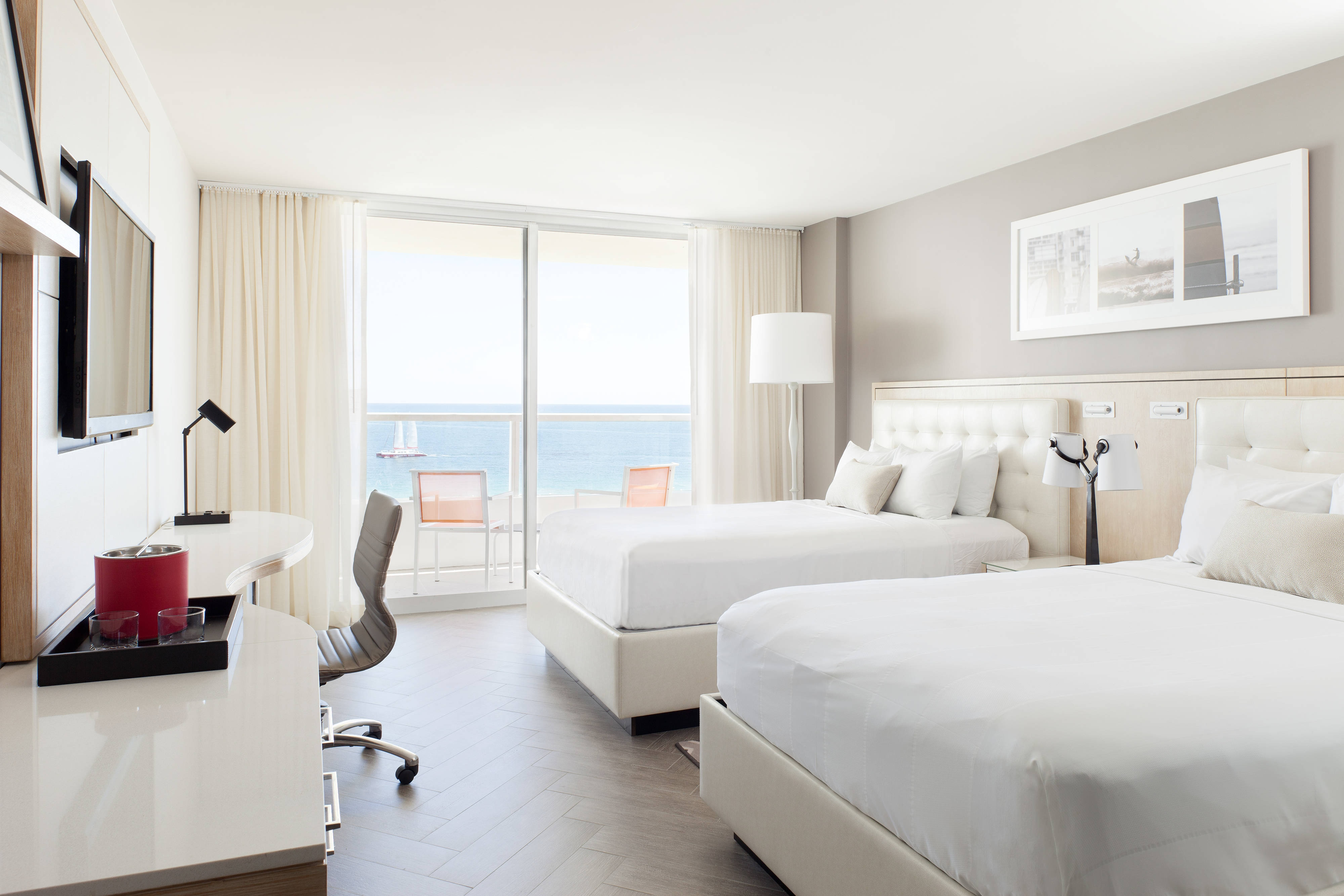 Oceanfront resort hotel in south beach miami marriott - Cheap 2 bedroom suites in miami beach ...