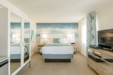 Marvelous 2 Bedroom Suites In South Beach Fl Marriott Vacation Club Download Free Architecture Designs Jebrpmadebymaigaardcom