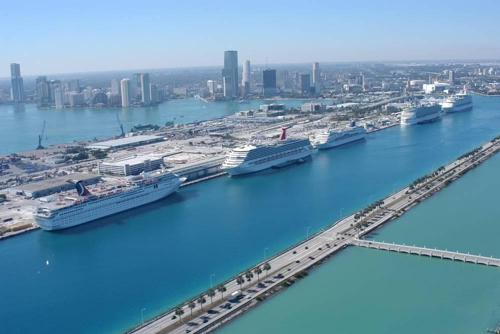Hotels near Miami cruise port