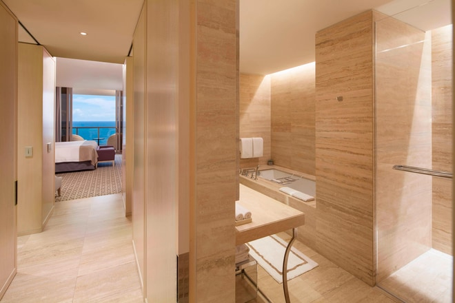 Grand Luxe Oceanfront King Bathroom