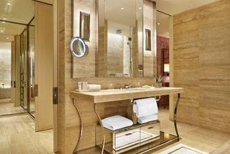 Deluxe Ocean View Guest Bathroom