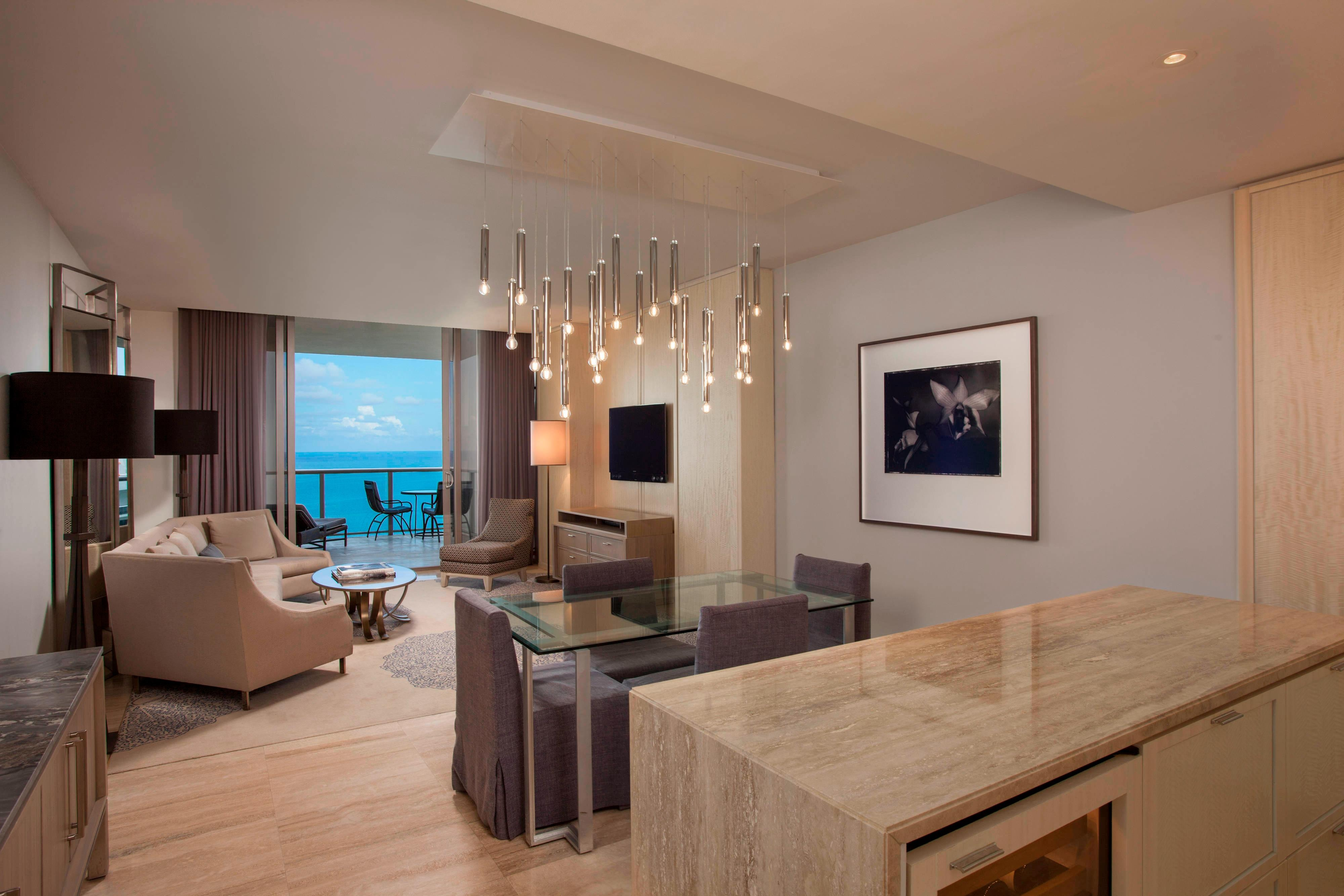 Imperial Suite - Living/Dining Room